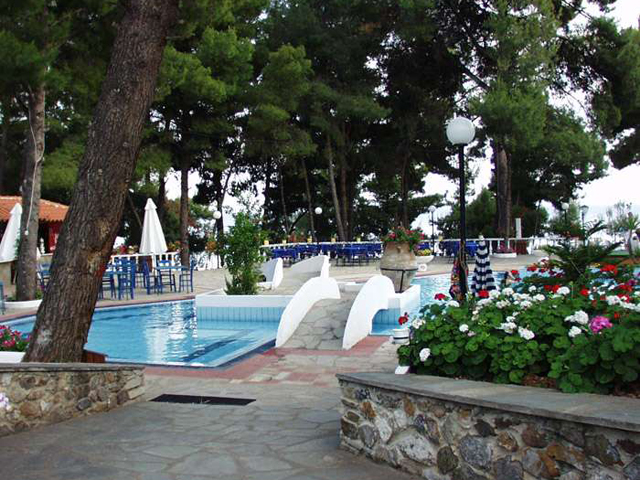 Porfi Beach Hotel -
