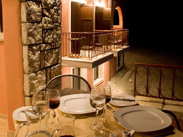 Vytina Mountain View - Dinning Area