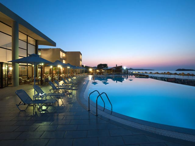 AKS Minoa Palace - Super Early Bird  for 2017 !! Save up to 40% !! LIMITED TIME !!