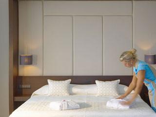 Elysium Resort & Spa - Luxury Suite King Size Bed