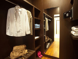 Elysium Resort & Spa - Closet