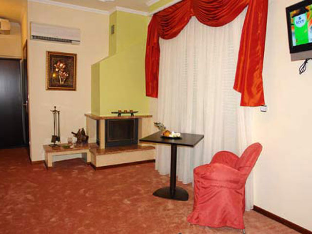 Achillion Palace Hotel - Living Room