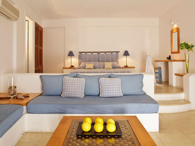 Tamarix Del Mar Suites - Living Room