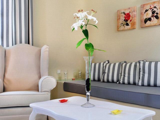 Carpe Diem Santorini Hotel -