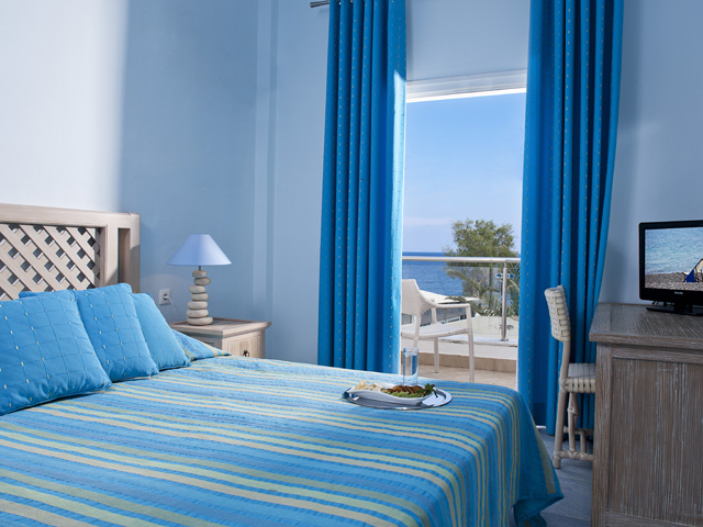 Alesahne Beach Hotel - Bedroom