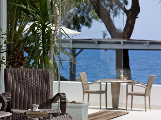Alesahne Beach Hotel - Veranda