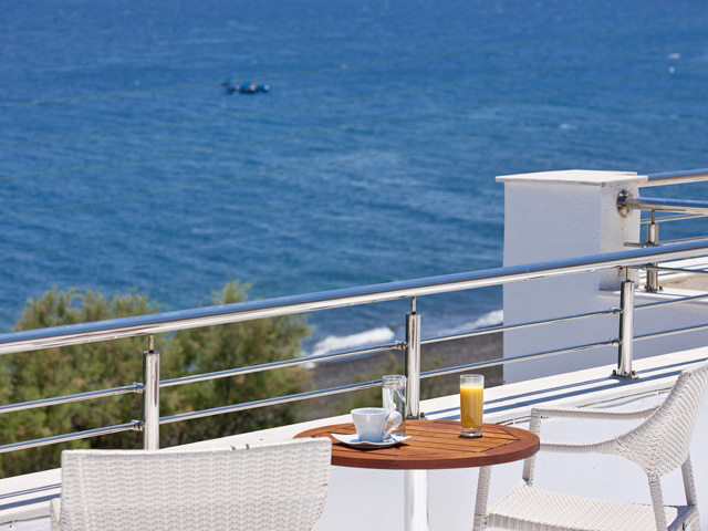Alesahne Beach Hotel - Balcony