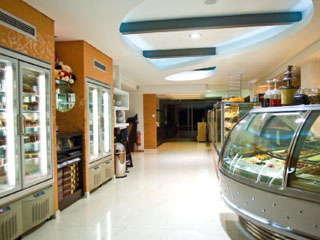 Habitat Hotel - Pastry Shop