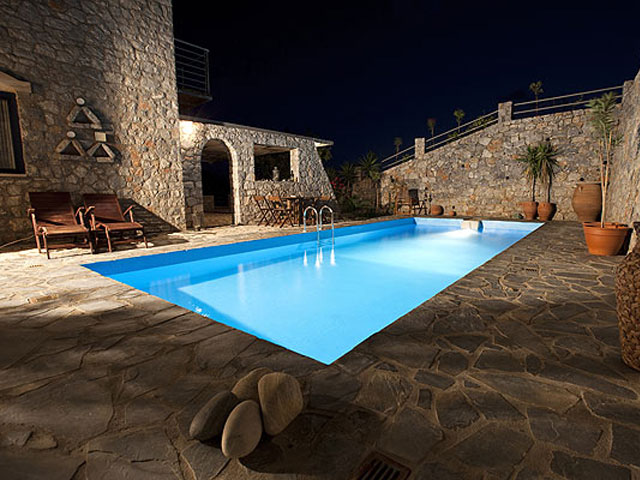 Aoritis Villas - Night View