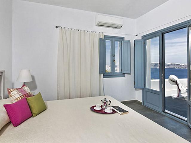 Aura Marina - Zephiros Bedroom