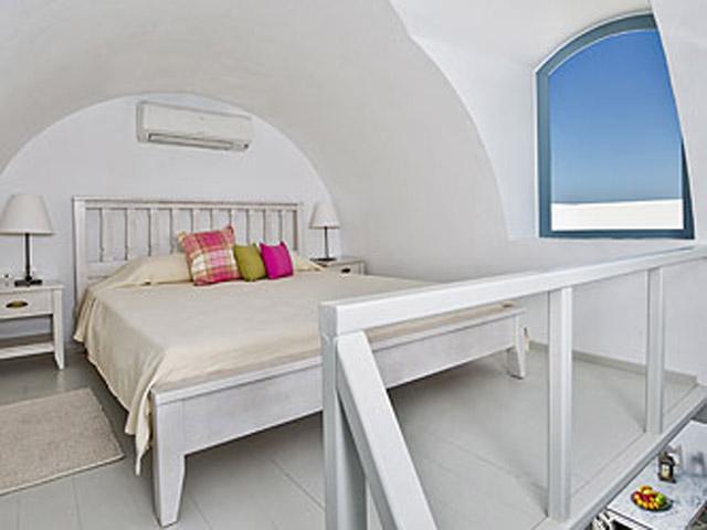 Aura Marina - Mistral Bedroom