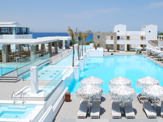 Diamond Deluxe Hotel and SPA - Pool View
