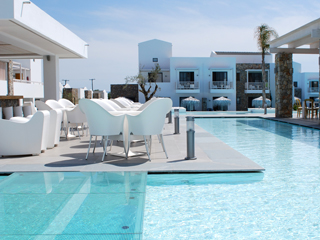 Diamond Deluxe Hotel and SPA - Pool Bar