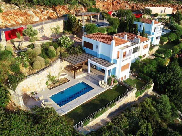 Okeanides Luxury Villas -