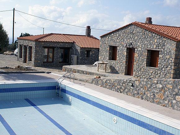 Vrachos Villas - Swimming Pool View