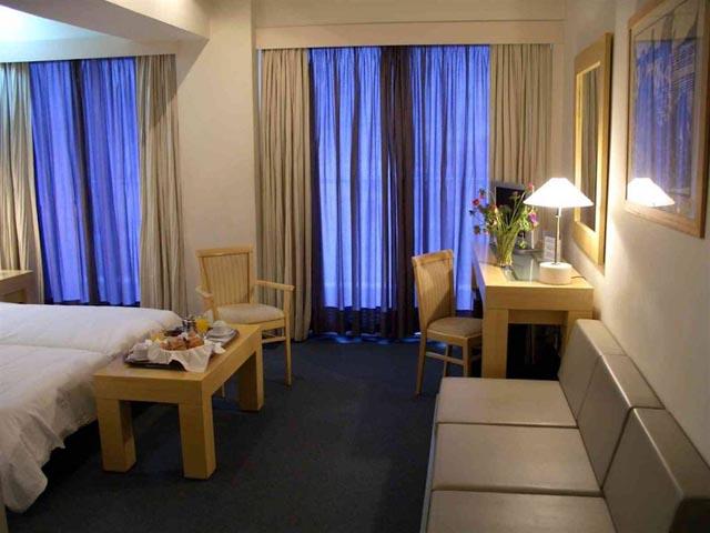 Dorian Inn Hotel -