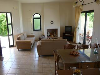 Anni Villa - Living Room