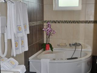 Amalias Hotel - Jacuzzi, Suite