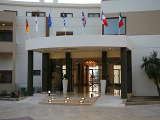 Evia Hotel & Suites - Hotel Entrance