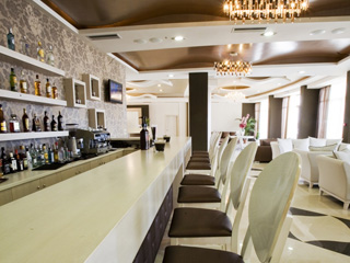 Evia Hotel & Suites - Bar1