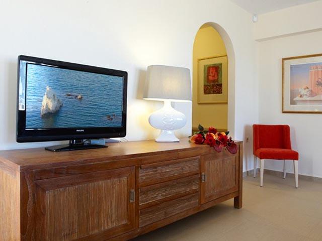 Leste Luxury Homes -