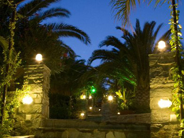 Paros Eden Park Hotel - Entrance Night View