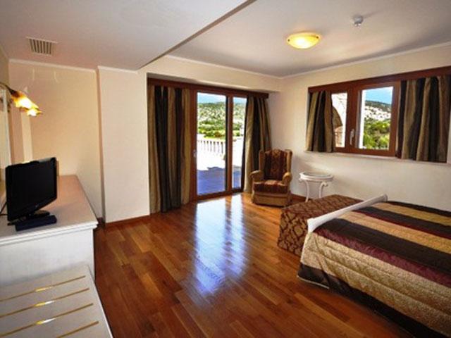 Kandias Castle Resort & Thalasso - Deluxe Suite Bedroom