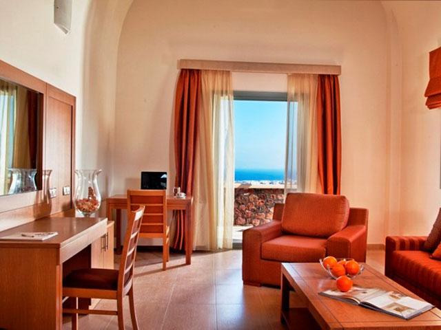 Astro Palace Hotel & Suites Santorini - Living Room