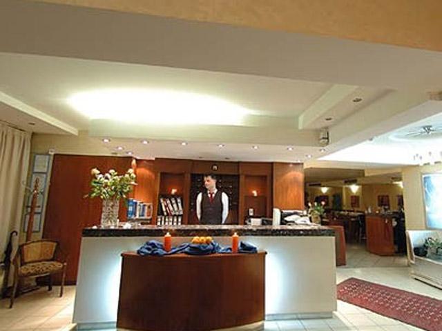 Plaza Art Hotel - Reception