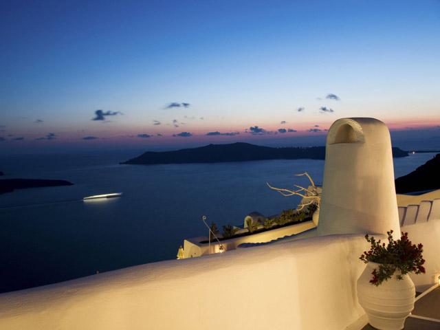 Dreams Luxury Suites -