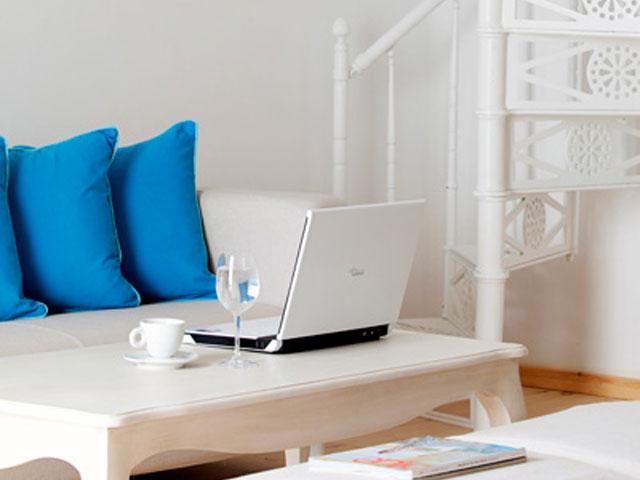 Thermes Luxury Villas - Living Room