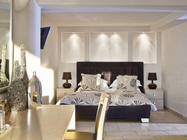 Adamant Suites -