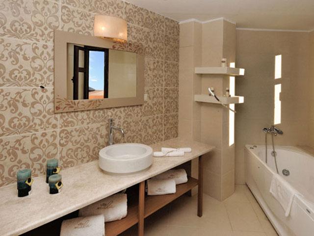 Villa Mala - Dictamnus Maisonette Bathroom