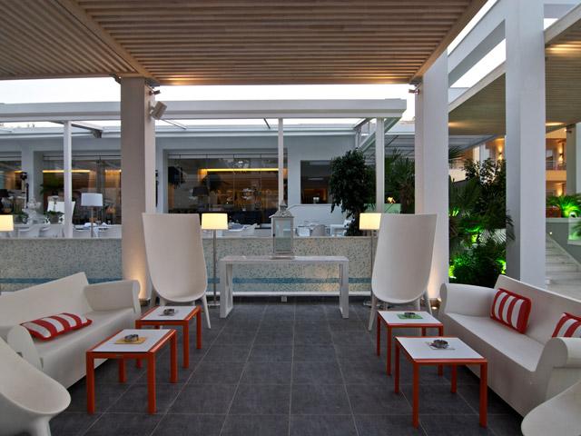 Litohoro Olympus Resort Villas & Spa - Pool Bar