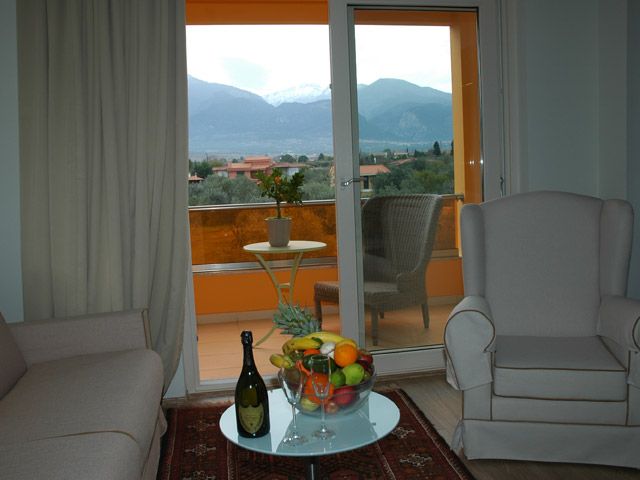 Litohoro Olympus Resort Villas & Spa - Living room