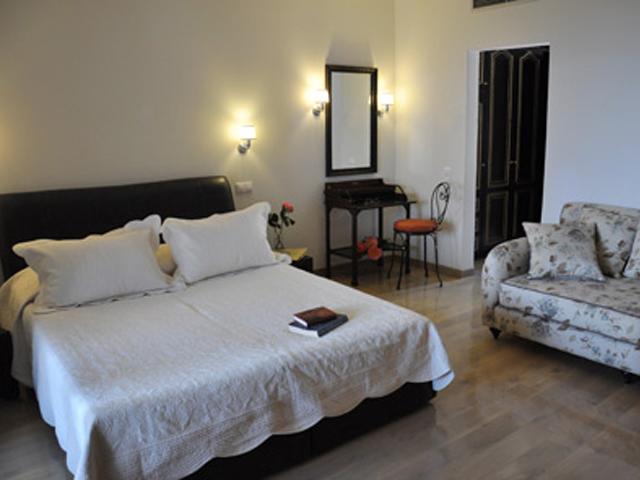 Dasos Theretron - Bedroom