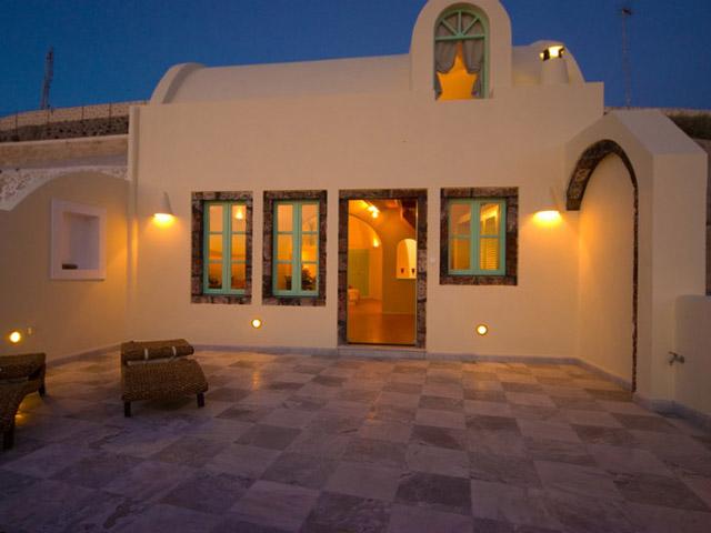 Santorini Luxury Villas - Honeymoon Luxury Villa- exterior view