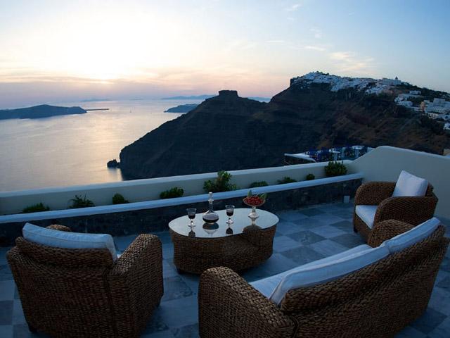 Santorini Luxury Villas - Honeymoon Luxury Villa- balcony