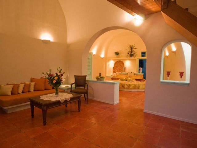 Santorini Luxury Villas - Honeymoon Luxury Villa- interior view