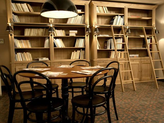 Kinsterna Hotel and Spa Monemvasia - Library