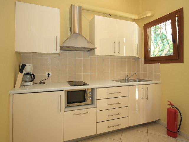 Bella Vista Hotel & Apartments - Kitchen