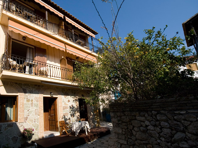Hotel Tourist - Exterior View