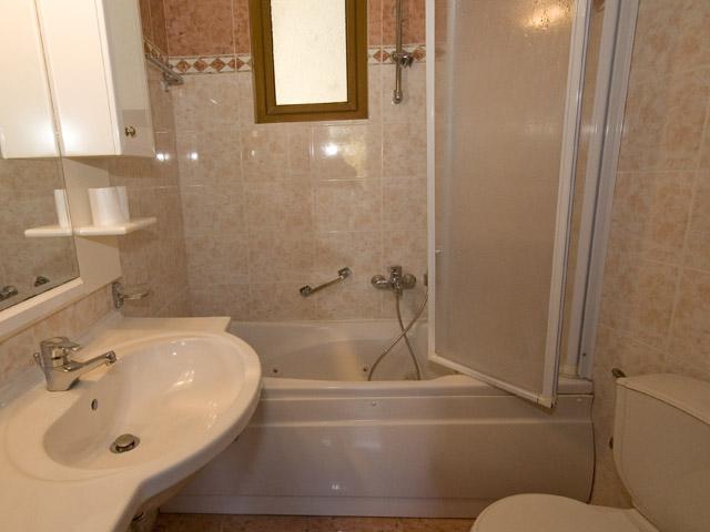 Hotel Tourist - Bathroom