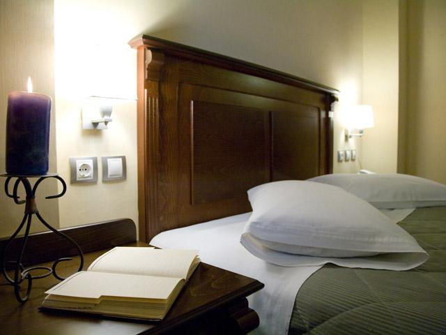 Perea Hotel - Room