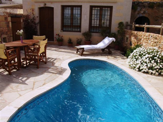 Ariadni Villa - Exterior View-swimming pool