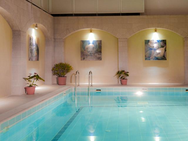 Alexandra Hotel - Swimming Pool Area
