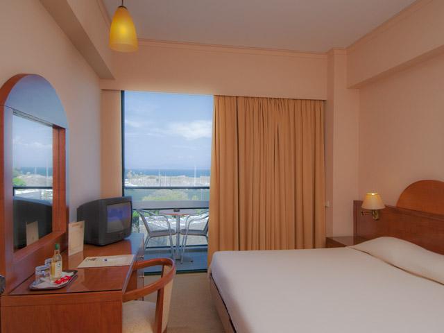Alexandra Hotel - Room