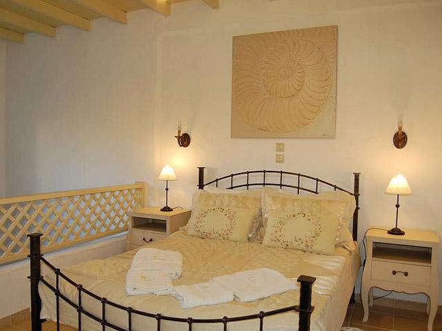 Tholaria Boutique Resort - Suite - Psili Vigla- Bedroom