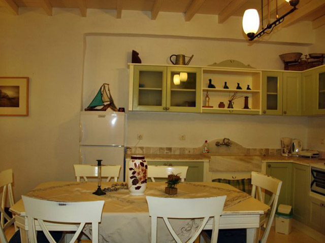 Tholaria Boutique Resort - Suite Asvestioti - Dining Area