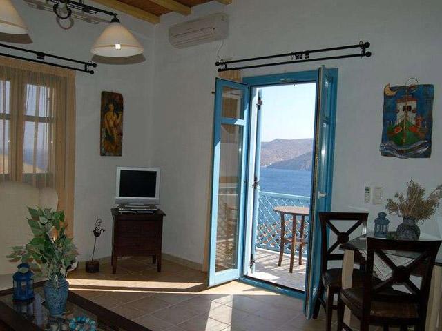 Tholaria Boutique Resort - Studio Htenia - Living Room